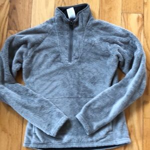 The North Face Woman's pullover 1/4 zip